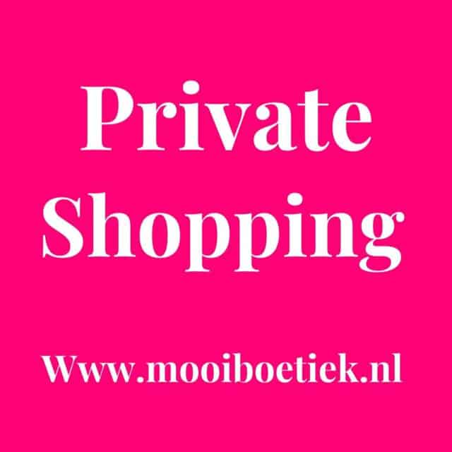 Kom jij als eerste onze mooie collectie bekijken? Boek nu je dag en tijd via deze link   https://www.mooiboetiek.nl/shop-afspraak/  Heb je andere wensen? Stuur ons dan een bericht via whatsapp met de link in de bio. Wij vinden het super leuk om jullie weer in het echt te zien, tot snel!  #privateshopping #priveshoppen #personalshopper #mooiboetiek